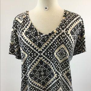 Cato Multi Black Scoop Shirt Size 22/24W (B-88)
